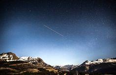 meteor shower star shower shooting stars in night sky