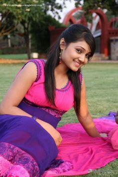 Indian Actress Hot Pics, Bollywood Actress Hot Photos, Beautiful Indian Actress, Actress Photos, Beautiful Actresses, Indian Actresses, Hollywood Girls, Hollywood Model, Stylish Girl Images