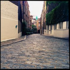 Lonely street Notting Hill London