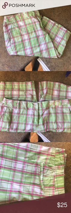 New York & Co Bermuda shorts Green with pink and white plaid Bermuda shorts. Size 14. Manhattan Chino New York & Company Shorts Bermudas