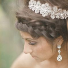 Rock My Wedding make Mahj the prettiest indian bride in all of the wedding universe. Fact. Check out the hair!!!!