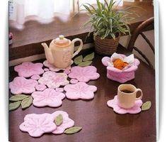 ♡ flower tea coasters – About Home Decor Cute Crafts, Felt Crafts, Fabric Crafts, Sewing Crafts, Diy And Crafts, Craft Projects, Projects To Try, Felt Coasters, Tea Coaster