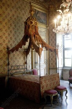 Turin, a bedroom in the palazzina di caccia di Stupinigi, former Savoy hunting lodge designed by architect Juvarra Jochem Wijnands Boudoir, Antique Bedroom Furniture, Furniture Inspiration, Beautiful Bedrooms, Bedroom Colors, Dream Bedroom, Decoration, 3d Printing, Drapery