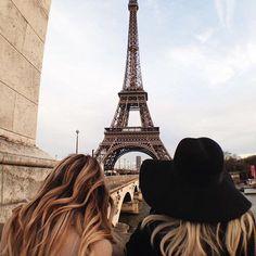 Un día en París { P i n t e r e s t : @boymarine03 }.