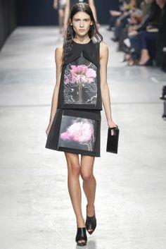 Sfilata Christopher Kane Londra - Collezioni Autunno Inverno 2014-15 - Vogue