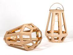 Lamp ZUID - Designer Francoise Oostwegel (Cedille) - Een prachtige lamp die licht weerkaatst in het metaal aan de binnenkant. Deze heb ik zelf gezien op de DDW 2015. Prachtig! Vooral die hele grote formaten.