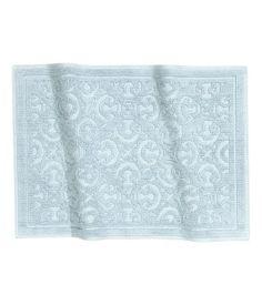 Vaaleansininen. Kylpyhuonematto paksua jakardikudottua puuvillafroteeta. Pohjassa liukueste.Tuotetta ei pidä käyttää lämmitetyillä pinnoilla.