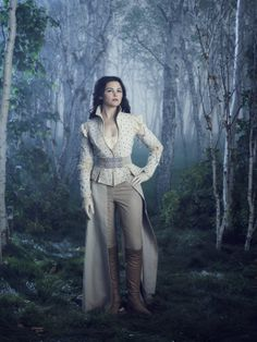 Amazing look for Snow White Once from Upon A Time - EW Photoshoot