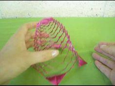 Jak si vyrobit kirigami vánoční ozdobu z papíru - zvonek - video | NašeNávody.cz