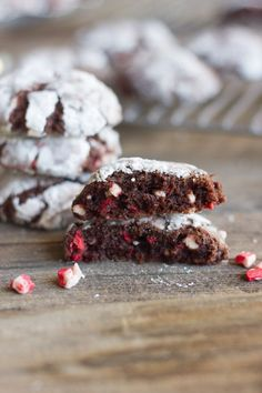 Peppermint Crunch Chocolate Crinkle Cookies - thick, soft, brownie-like chocolate cookies with little bits of peppermint