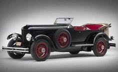 1930 DuPont Model G Le Mans Speedster.
