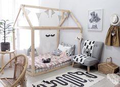 """Hoy estamos realizando una colaboración con Lai del blog """"Así piensa una mamá"""", quien nos cuenta tips para diseñar una dormitorio infantil montessori..."""