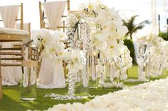 20 Unbelievably Pretty Ceremony Aisles