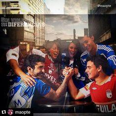 #Repost @maopte ・・・ Sin violencia, pero con diferencias... Por un #Clásico283 en paz. @santafe_oficial Vs @millosfcoficial  #AlbiRojo #CISF #IndependienteSantaFe #PrimerCampeon #SoyLeónSoyCampeón #VamosLosLeones #ClásicoCapitalino #millonariosfc #millos #rojo #azul #VamosASoñarMásFuerte #fútbol #bluerain #cdlm #comandosazules #nemesiocamachoelcampin