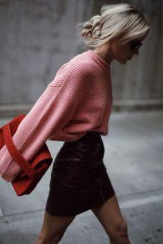 кожаная юбка, свитер оверсайз