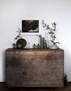 Ti piacciono i mobili in legno grezzo fai-da-te ? Allora devi necessariamente metterti all'opera. Basta semplicemente che tu recuperi creativamente tutto il