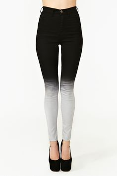 Skinny Jeans-- move fade lower for more flattering shading.