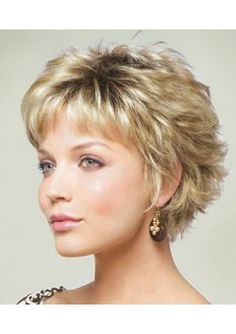 MASON (Rooted Colors) by Noriko Peinados Related Winning Looks with Bob Haircuts for Fine Hair Short Shag Hairstyles, Short Layered Haircuts, Short Hairstyles For Women, Pixie Haircuts, Hairstyles 2016, Wedding Hairstyles, Protective Hairstyles, Haircut Short, Hairstyle Short