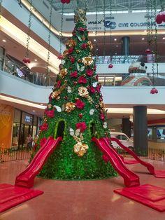 Decoración Navideña del Centro comercial El Edén en Bogotá Christmas Tree, Holiday Decor, Home Decor, Shopping Mall, Colombia, Homemade Home Decor, Xmas Tree, Xmas Trees, Decoration Home