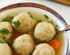 "Do not like chicken soup my mother . Yummy Bites from Israeli cuisine: chicken soup - H""fnitzilin ""of the Jewish mother - ISRAELI FOOD - Israeli food Healthy Hanukkah Recipes, Hanukkah Food, Healthy Gourmet, Passover Recipes, Jewish Recipes, Passover Meal, Seder Meal, Happy Healthy, Healthy Recipes"