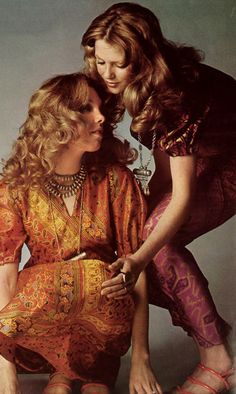 Louise Despointes and Sandy by Guy Bourdin. Seventies Fashion, 70s Fashion, Guy Bourdin, Vogue Paris, Woodstock, Spring Summer Fashion, Vintage Photos, Photographers, 1970s