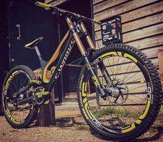 . Bike : Sworks Demo 8 -Fox 40 Float Fork -Öhlins txt Rear Shock -Enve rims