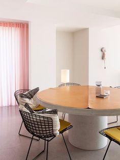 pink curtains in mid-century modern kitchen dining area. / sfgirlbybay