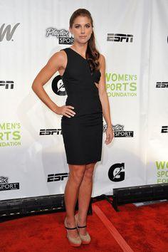 alex-morgan-soccer-girl-americaine