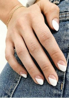 hansen chrome nail makeup makeup nailart nail makeup nail art designs and makeup salon design hansen chrome nail makeup hansen chrome nail makeup pure chrome nail designs Ten Nails, Minimalist Nails, Striped Nails, Manicure E Pedicure, Chrome Nails, Stylish Nails, Perfect Nails, Nail Trends, Simple Nails