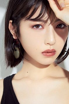 Posted by Sifu Derek Frearson Japanese Beauty, Korean Beauty, Asian Beauty, Make Up Looks, Beautiful Girl Image, Beautiful Asian Women, Girl Face, Woman Face, Korean Short Hair