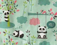 **Baumwolldruck als Kinderstoff mit süßen Pandas in schadstoffgeprüfter Qualität aus der EU:** Hautfreundlich und wunderbar geeignet für Bettwäsche, Kissen, Vorhänge, Gardinen, Hochbettvorhang,...