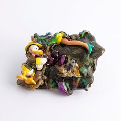 #BarbaraUderzo #Fermento #2017 #brooch for #gioiellinfermento #mastercollection #inspiration #jewelry #studiojewelry #contemporary #artjewelry #jewellerydesign #spilla #wearableobject #happysunday #foundobjectsculpture #microscultura #blob #collection #gioiellocontemporaneo #madeinitaly #paperino #donaldduck #cheers #anotherkindofjewellery #iconic #ironic #jewellery