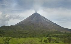 Enjoy exceptional views of Arenal Volcano from a comfortable room, at a reasonable rate Start your Costa Rican adventure at Hotel Linda Vista del Norte Costa Rica, Rainy Season, Hot Springs, Mount Rainier, Places Ive Been, Tornados, Volcanoes, Hotel, Adventure