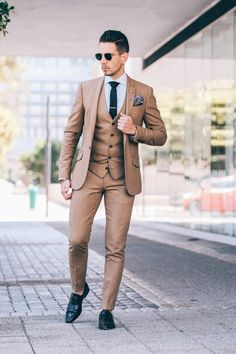 Suited, Suits, Mens Fashion, Mens Style, Fancy Menswear, Dapper, Outfits, Three Piece Suits, Light, Black Shoes, Leather Shoes, Pocket Squares