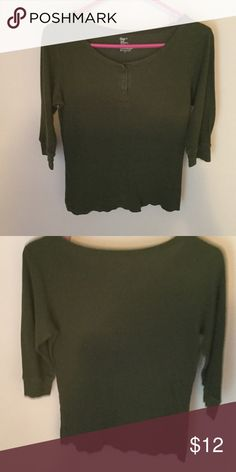 Gap top Like new it has 3 buttons in front made in Lesotho 60% cotton 40% modal it's very soft feeling GAP Tops Blouses
