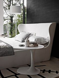 Bed Papilio -B&B Italia - Design by Naoto Fukasawa Bed Furniture, Furniture Design, Double Bed Designs, Italia Design, Interior Architecture, Interior Design, Decor Inspiration, Beautiful Bedrooms, Living Spaces