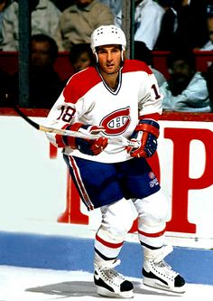 How could you not love Savard. Yes, he was a Hab but there was no denying how awesome he was. Hockey Teams, Ice Hockey, Hockey Stuff, Montreal Canadiens, Goalie Mask, Tampa Bay Lightning, Nfl Fans, Detroit Red Wings, Chicago Blackhawks