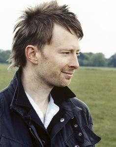 Thom Yorke of Radiohead Great Bands, Cool Bands, Thom Yorke Radiohead, Britpop, Jim Morrison, Attractive People, My Guy, Music Stuff, Mixtape