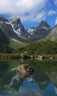 Lake McKenzie - Fiordland National Park - South Island, New Zealand