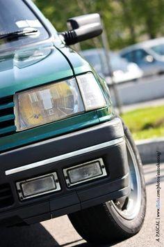 Peugeot 309 GTI Goodwood front