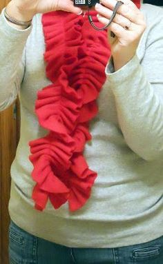 Here's a gift idea that is so easy and so inexpensive it's almost embarrassing! It would be a great gift for a girlfriend, your child's teac...