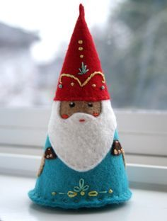 Una gran idea para preparar los adornos del árbol de Navidad, o un Belén de fieltro!