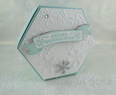 Stampin' Up! in Landshut: Adventskalender Stampin 'Up! Window Box thinlits In aquamarine, whisper white and silver Hexagon Box, Deco Table, Little Boxes, Box Packaging, Box Design, Flower Cards, Scrapbooking, Stampin Up Cards, Craft Gifts