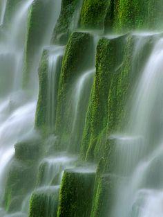 Oregon's Proxy Falls, Three Sisters area