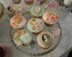Vintage cupcakes from Miss Lola's Bakehouse