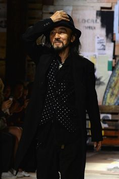 Yohji Yamamoto Photos Photos - Yohji Yamamoto greats the audience at the end of the Y-3 Spring/Summer 2015 Show as part of Paris Fashion Week Menswear S/S 2015 at Couvent des Cordeliers on June 29, 2014 in Paris, France. - Y-3 Spring/Summer 2015 - Runway - Paris Fashion Week - Menswear S/S 2015
