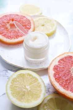 These DIY Lip Scrub Recipes are all you need for the softest, sexiest lips ever. We've got the best homemade lip scrubs that are easy and cheap. All you need is sugar, coconut oil, and a spoon. Lip Scrubs, Sugar Scrubs, Salt Scrubs, Diys, Diy Masque, Lip Scrub Homemade, Homemade Soaps, Homemade Products, Grapefruit