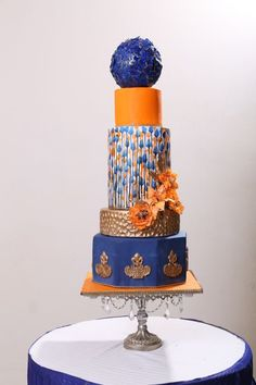 Modern wedding cake by Wedding Cakes With Cupcakes, Unique Wedding Cakes, Beautiful Wedding Cakes, Beautiful Cakes, Amazing Cakes, Ugly Cakes, Bad Cakes, Cake Pictures, Cake Pics