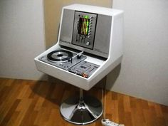 retro vintage moderno hi-fi: 1975 Rosita Stereo Commander Luxus Vintage Records, Vintage Music, Retro Vintage, Vintage Modern, Vinyl Record Player, Record Players, Turntable Record Player, Carl Sagan Cosmos, Retro Design