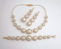 Seafoam Perlenarbeiten Satz: Armband Ohrringen von MadeByAllushka